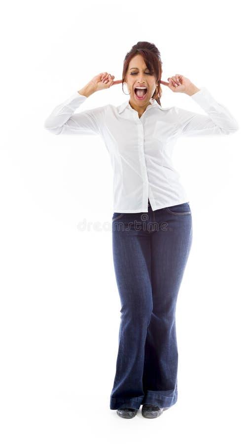 Download Indiańska Młoda Kobieta Krzyczy Z Rękami W Ucho Obraz Stock - Obraz złożonej z przypadkowy, folował: 41951175