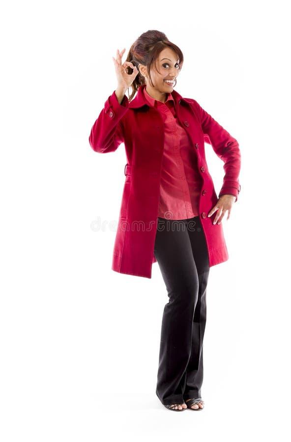 Download Indiańska Młoda Kobieta Pokazuje Ok Znaka Zdjęcie Stock - Obraz złożonej z smiling, komunikacja: 41950196