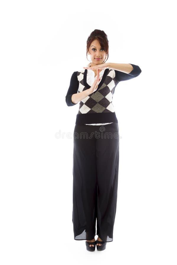 Download Indiańska Młoda Kobieta Pokazuje Timeout Sygnał Zdjęcie Stock - Obraz złożonej z przód, widok: 41951060