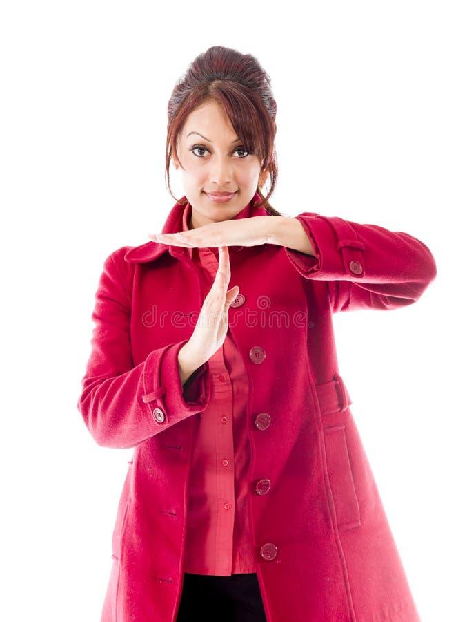 Download Indiańska Młoda Kobieta Robi Czasowi Out Sygnalizuje Z Rękami Zdjęcie Stock - Obraz złożonej z biały, studio: 41950372