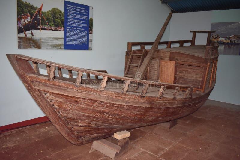 Indiańska stara łódź rybacka historia łodzie zdjęcie royalty free
