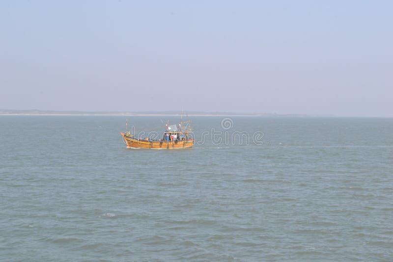 Indiańska Zadziwiająca denna łódź zdjęcie stock