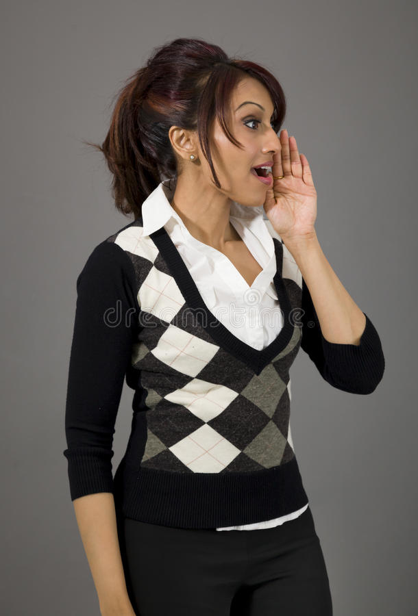 Download Indiański Bizneswoman Szepcze Wiadomość Odizolowywającą Na Barwionym Tle Obraz Stock - Obraz złożonej z komunikacja, human: 41950845