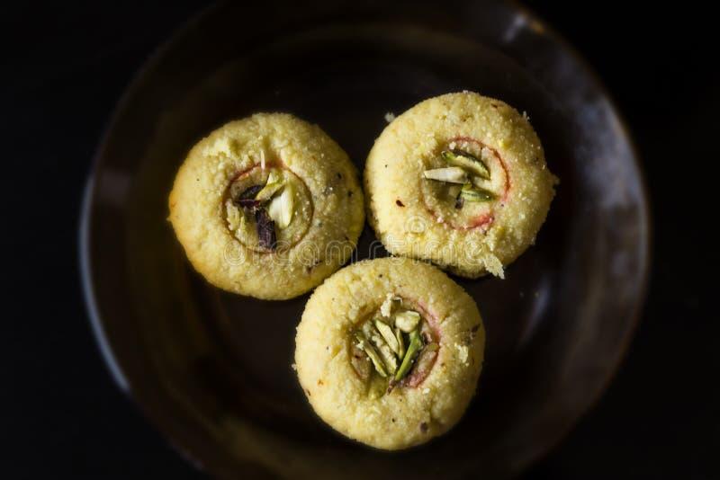 Indiański cukierki, Kesar szafranowy Peda w Gujarat India obraz stock
