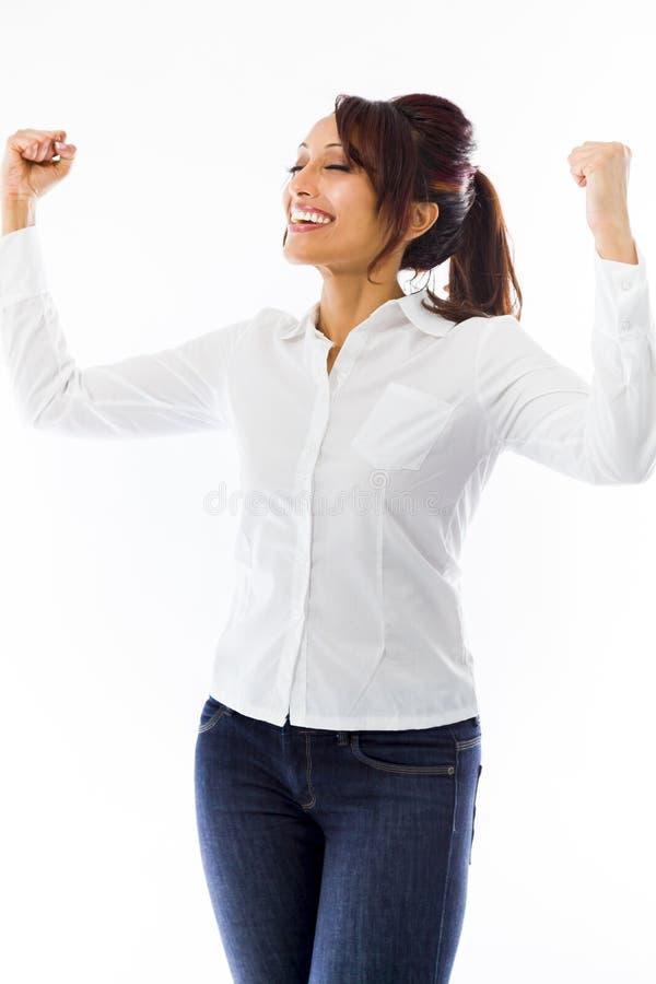 Download Indiański Młodej Kobiety Odświętności Sukces Z Rękami W Powietrzu Obraz Stock - Obraz złożonej z gesundheit, ręka: 41951379