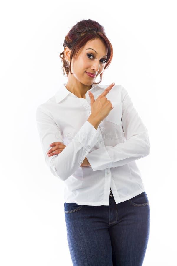 Download Indiański Młodej Kobiety Wskazywać Z Ukosa Zdjęcie Stock - Obraz złożonej z armstrong, komunikacja: 41951238