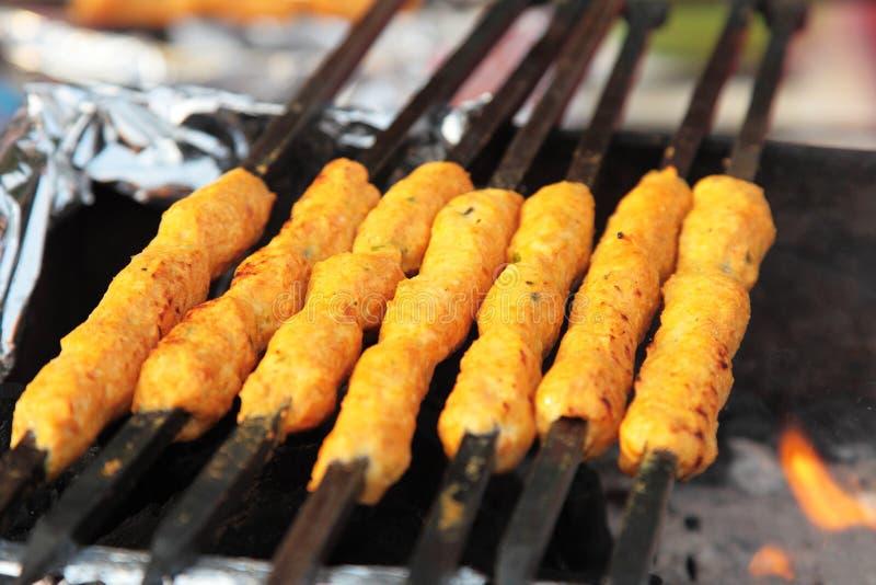 Indiański uliczny jedzenie: Kurczak Kawab zdjęcie royalty free