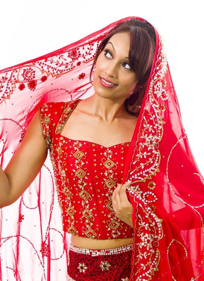 Download Indiańskiej Młodej Kobiety Przyglądający Up I Główkowanie Obraz Stock - Obraz złożonej z fotografia, studio: 41952435