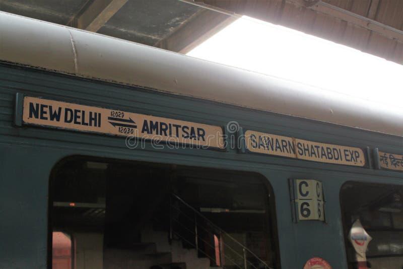 INDIA, Delhi, New Delhi, TRAIN. Trenes en la India, Nueva Delhi - Amritsar royalty free stock photography