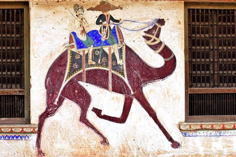 India, Mandawa: kleurrijke fresko's royalty-vrije stock afbeeldingen