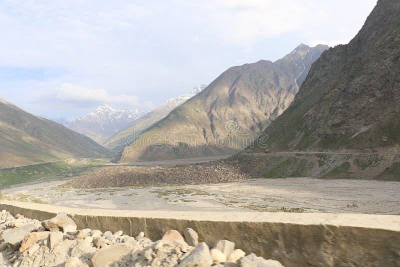 India ` s Deadliest, zeer verraderlijke en avontuurlijke wegenwegen stock foto
