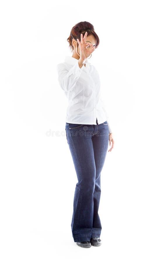 Download India?ska M?oda Kobieta Pokazuje Ok Znaka Zdjęcie Stock - Obraz złożonej z 1, cięcie: 41951140