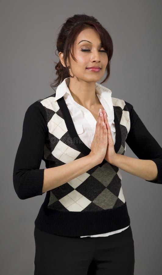 Download Indiański Bizneswomanu Modlenie Obraz Stock - Obraz złożonej z hindus, etnocentryzm: 41950697