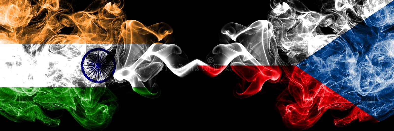 India vs republika czech dymu flaga umieszczaj?ca strona strona - obok - G?ste barwione silky dymne flagi indianin i republika cz fotografia royalty free