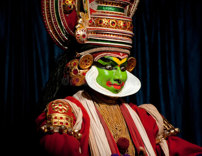 Download Indian Actor Performing Tradititional Kathakali Dance Drama Editorial Photography - Image of actor, festival: 34948982