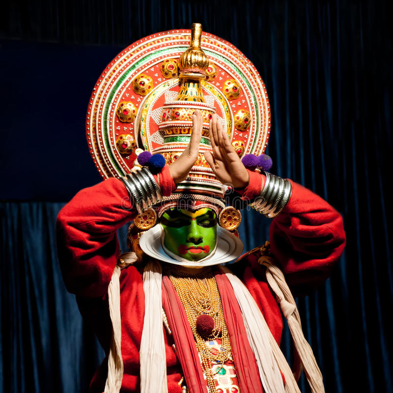 Download Indian Actor Performing Tradititional Kathakali Dance Drama Editorial Image - Image: 34948995