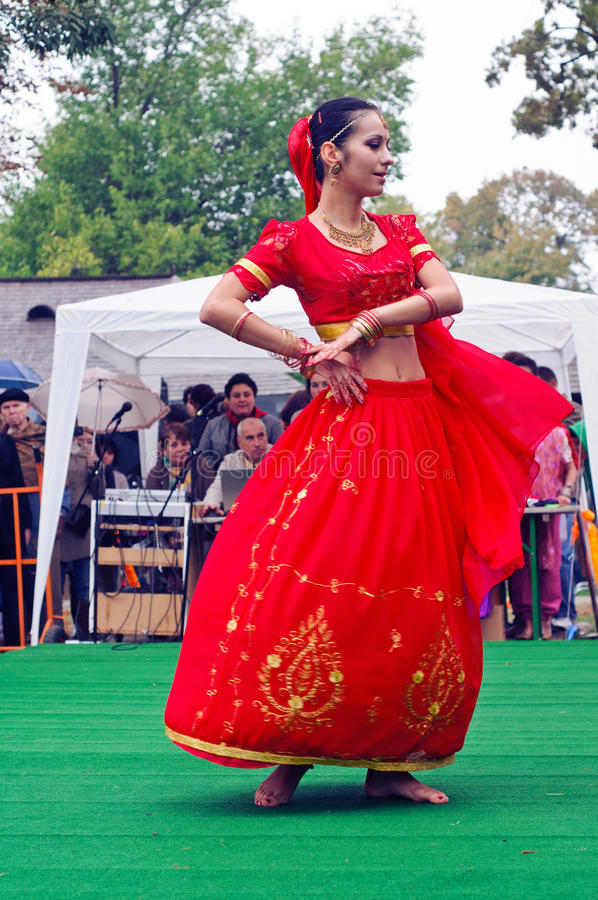 Indian Dancer At The Festival Editorial Stock Image