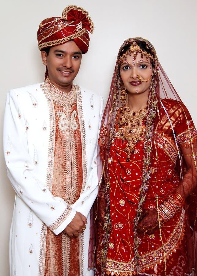 Free Indian Wedding Couple Royalty Free Stock Image - 2286896