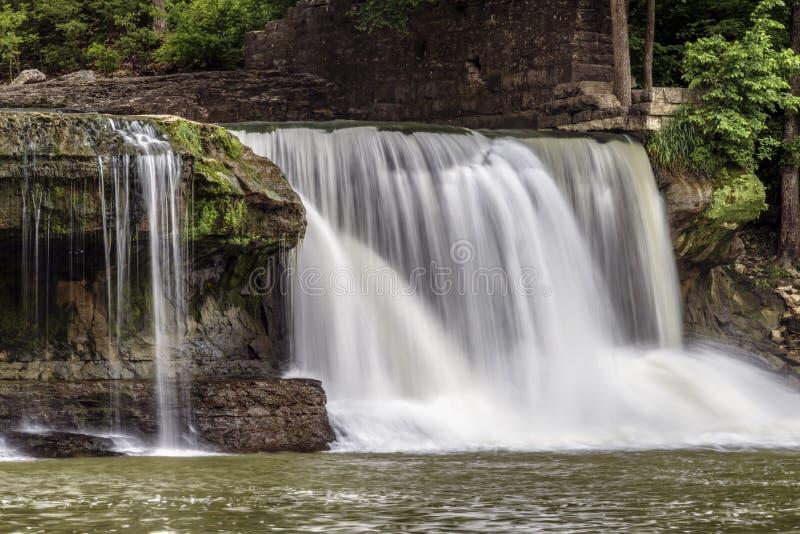 Indiana's katarakty Górni spadki - siklawa na Młyńskiej zatoczce obraz stock