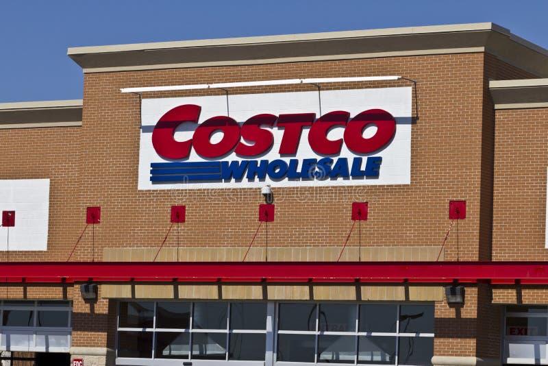 Indianapolis - cerca do abril de 2016: Lugar II da venda por atacado de Costco fotos de stock royalty free
