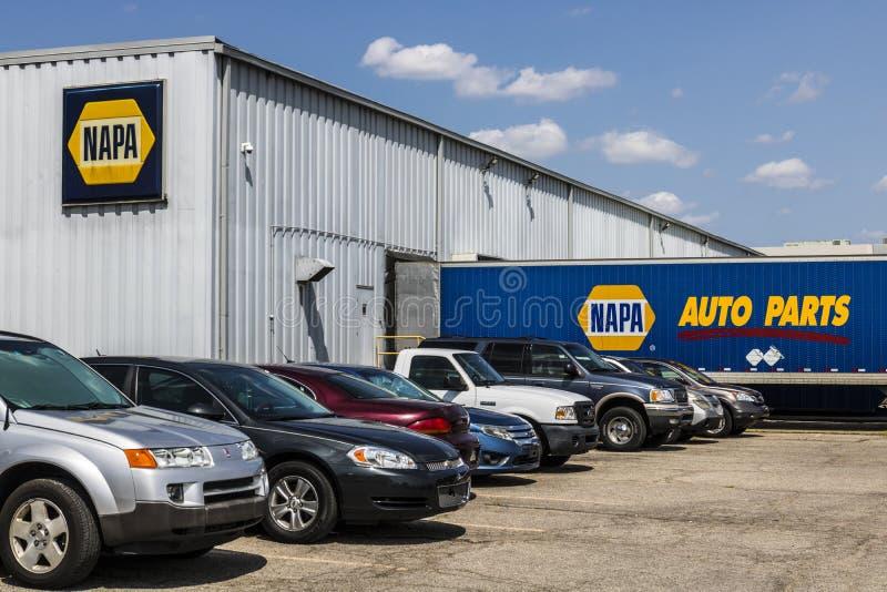 Indianapolis - cerca do agosto de 2017: Armazém das peças de automóvel de NAPA As peças de automóvel de NAPA têm sobre 6.000 luga imagens de stock