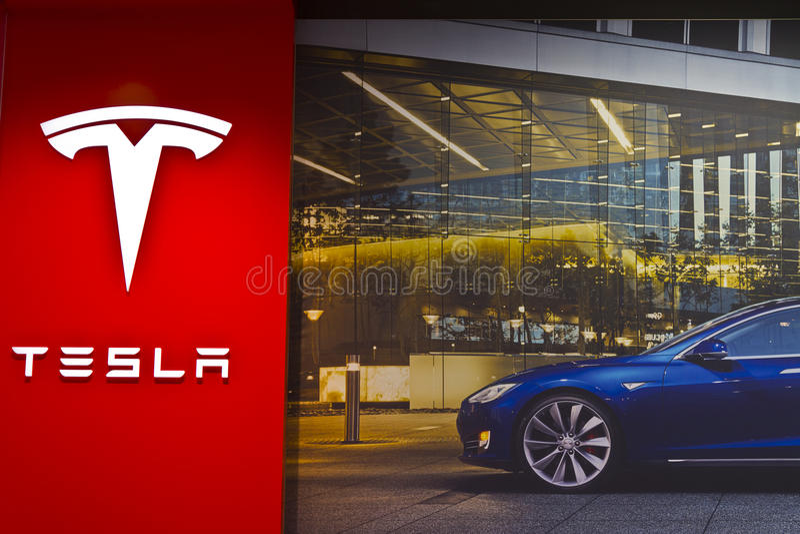 Indianapolis - cerca do março de 2016: Loja III dos motores de Tesla imagens de stock
