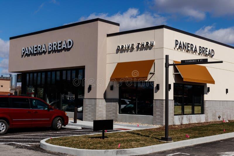 Indianapolis - cerca do março de 2019: Lugar varejo do pão de Panera Panera é uma corrente dos restaurantes ocasionais rápidos qu fotos de stock royalty free