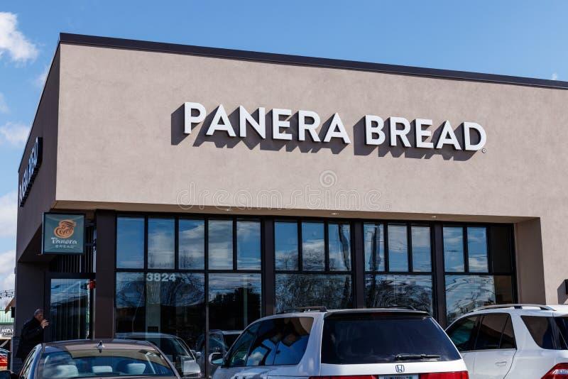 Indianapolis - cerca do março de 2019: Lugar varejo do pão de Panera Panera é uma corrente dos restaurantes ocasionais rápidos qu imagem de stock