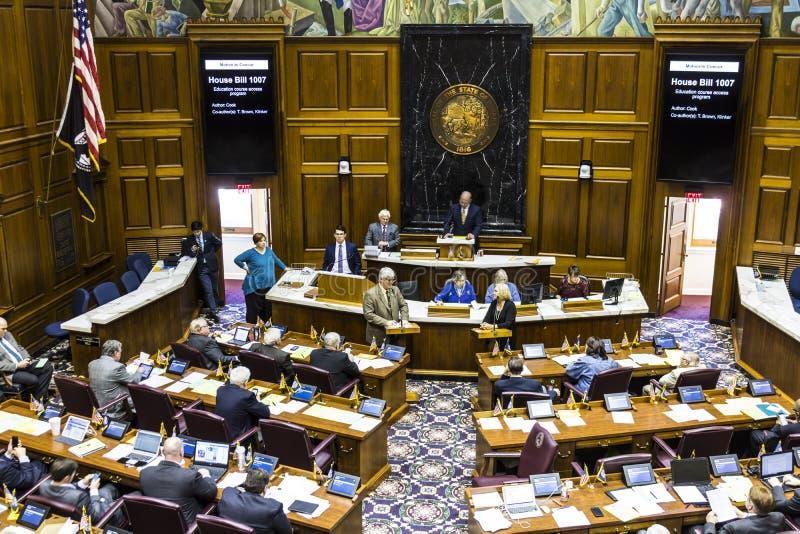 Indianapolis - Circa April 2017: Indiana State House av representanter i periodsdanandeargument för och mot en räkning I royaltyfri bild