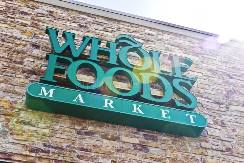 Indianapolis - circa aprile 2016: Mercato II di Whole Foods immagine stock libera da diritti