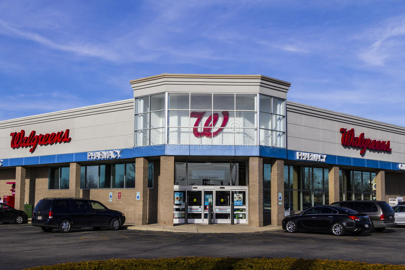 Indianapolis - Circa Februari 2017: Walgreens Kleinhandelsplaats Walgreens is een Amerikaans Farmaceutisch Bedrijf IX stock fotografie