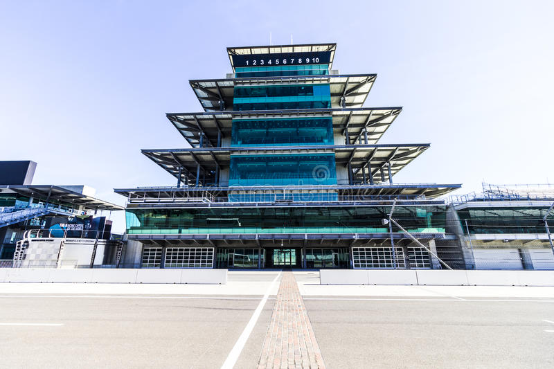 Indianapolis - circa im Februar 2017: Die Panasonic-Pagode in Indianapolis Motor Speedway XI stockbild