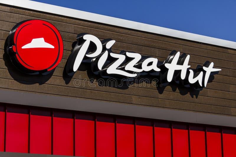Indianapolis - circa im Februar 2017: Schnelles zufälliges Restaurant Pizza Huts Pizza Hut ist eine Tochtergesellschaft von YUM!  lizenzfreies stockfoto
