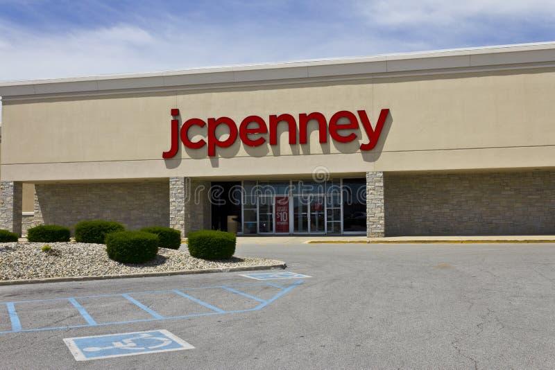 Indianapolis - circa im Juni 2016: JC Penney Retail Mall Location JCP ist ein Kleider-und Hausausstattungs-Einzelhändler IV stockfoto