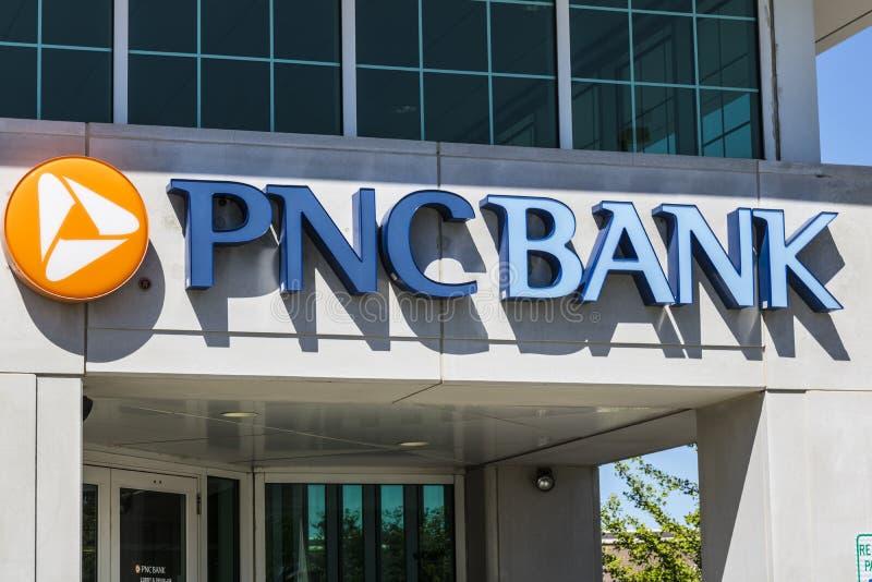 Indianapolis - circa im Juni 2017: PNC-Bankfiliale PNC-Finanzdienstleistungen bietet im Kleinen, Unternehmens- und Hypothekenkred lizenzfreie stockfotos