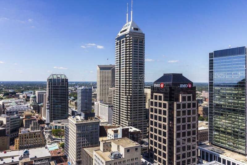 Indianapolis - circa im September 2016: Im Stadtzentrum gelegene Skyline Indianapolis auf Sunny Day II lizenzfreies stockbild