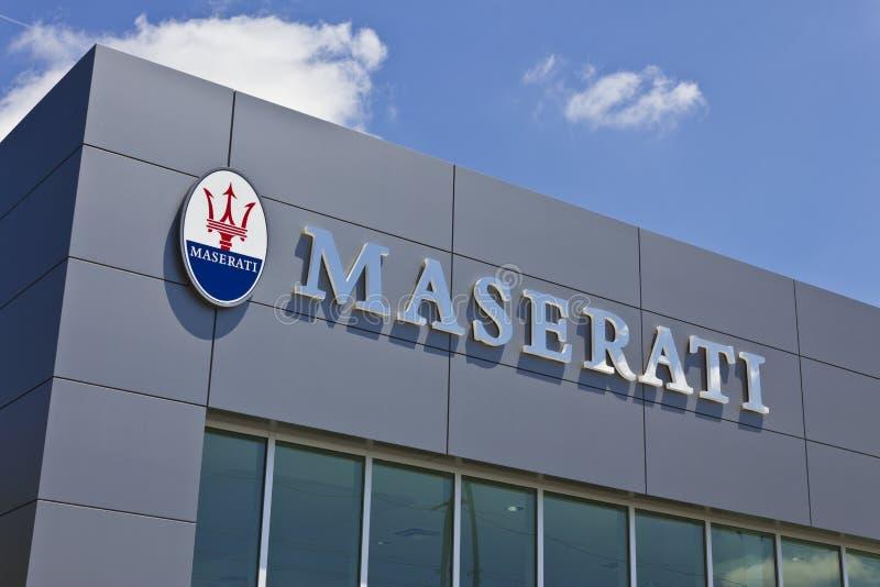 Indianapolis - Circa Juli 2016: Maserati återförsäljareSignage Maserati är en lyxig bilproducent Based i Italien II arkivbild