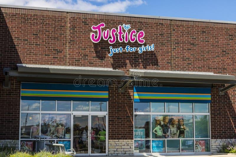 Indianapolis - circa julio de 2017: ¡Justicia Just para las muchachas! Ubicación al por menor II del centro comercial fotos de archivo libres de regalías