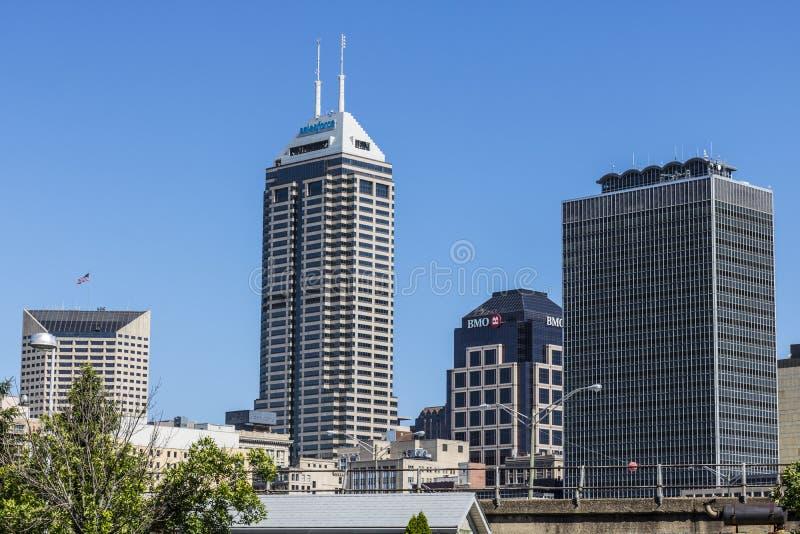 Indianapolis - Circa Juni 2017: De Indy` s Horizon Van de binnenstad op Sunny Day met onlangs anders genoemde Salesforce-Toren VI stock afbeelding