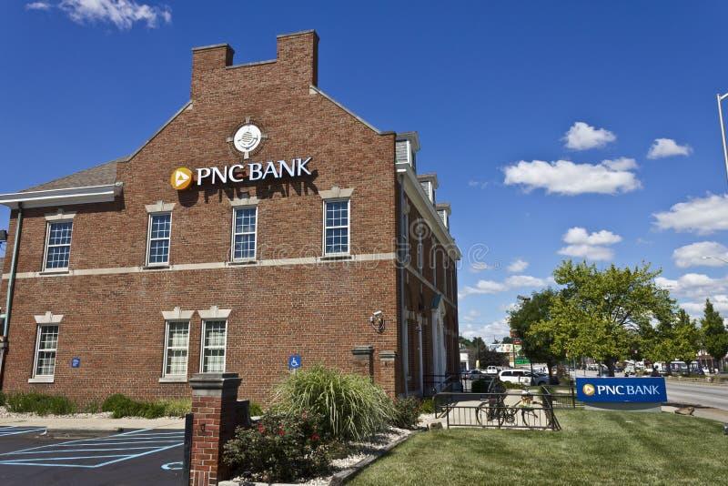 Indianapolis - circa junio de 2016: Sucursal bancaria de PNC Los servicios financieros de PNC ofrecen al por menor, corporativo y imagen de archivo libre de regalías