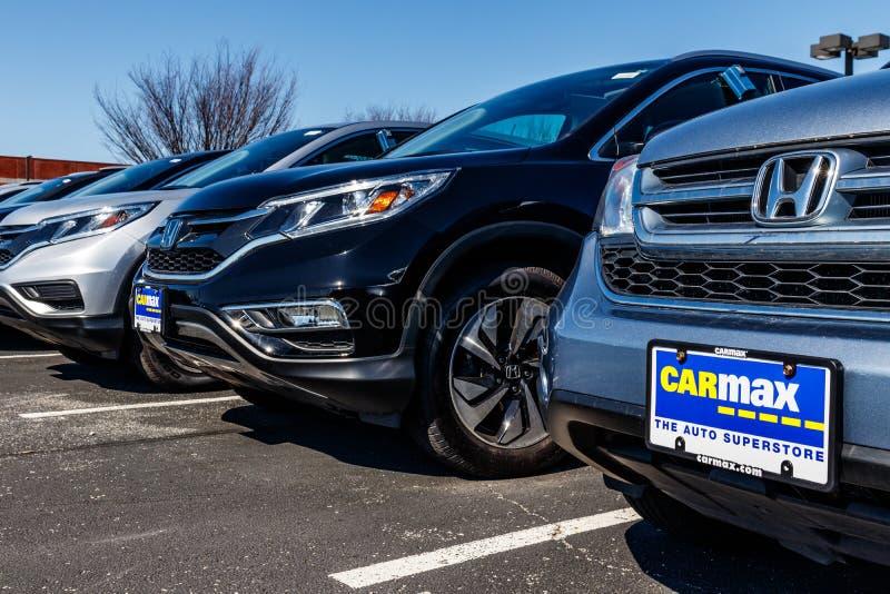 Indianapolis - Circa Maart 2018: Het CarMax Autohandel drijven CarMax is de Grootste gebruiken-Autodetailhandelaar in de V.S. III royalty-vrije stock afbeelding