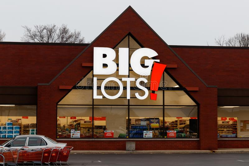 Big Lots Retail Discount Location. Big Lots is a Discount Chain Selling Food, Furniture and Housewares II. Indianapolis - Circa: March 2019: Big Lots Retail royalty free stock photography