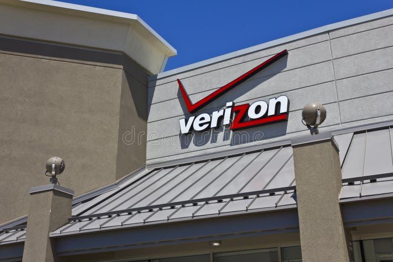 Indianapolis - circa mayo de 2016: Ubicación III de la venta al por menor de Verizon Wireless imágenes de archivo libres de regalías