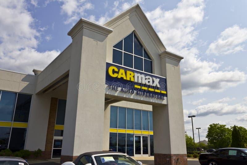 Indianapolis - Circa Mei 2016: Het CarMax Autohandel drijven IV stock foto's