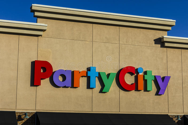 Indianapolis - Circa November 2016: Party City Retail Strip Mall Location. Party City Provides Costumes All Year Long II. Party City Retail Strip Mall Location stock photography