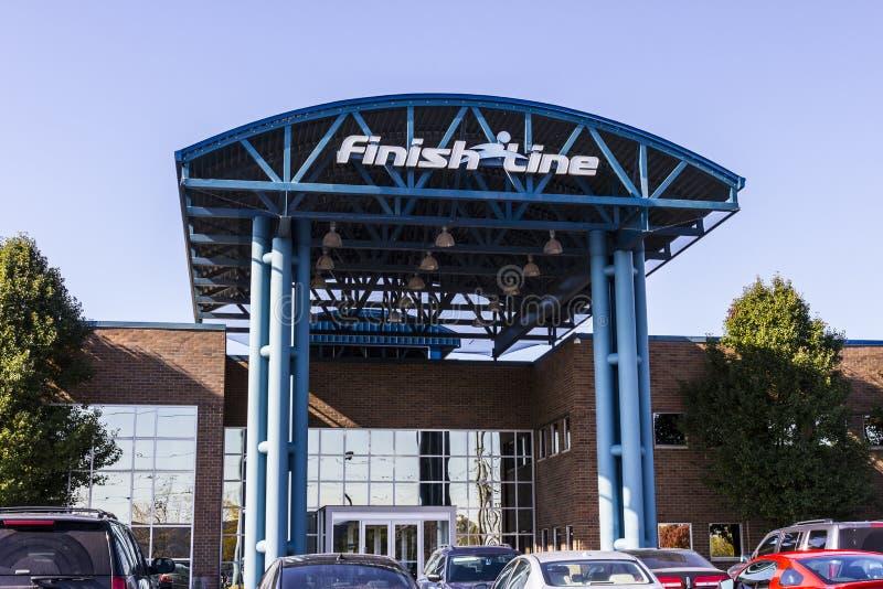 Indianapolis - circa noviembre de 2016: Finish Line, Inc Rascacielos Windows La meta es un calzado de ofrecimiento II del minoris fotos de archivo