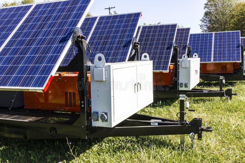 Indianapolis - Circa Oktober 2017: Mobila Photovoltaic solpaneler på släp Det ultimat i portable och reservkraft III royaltyfri fotografi