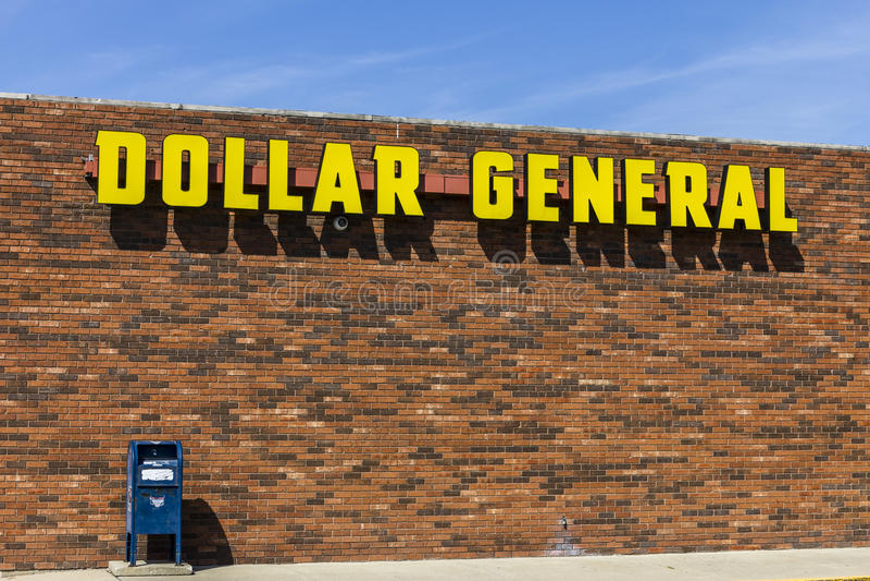 Indianapolis - Circa September 2017: Dollar General Retail Location. Dollar General is a Small-Box Discount Retailer VIII. Dollar General Retail Location. Dollar royalty free stock image