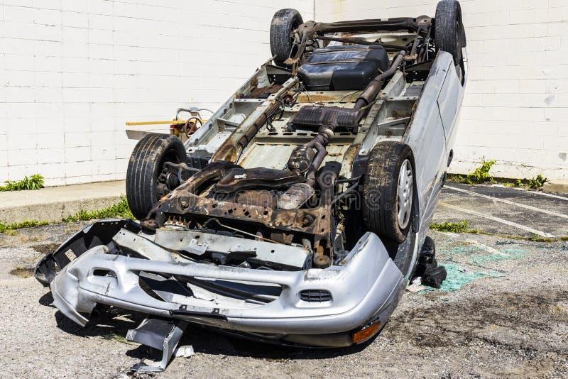 Indianapolis - circa settembre 2016: Automobile totalizzata di SUV dopo l'incidente movente ubriaco II fotografia stock libera da diritti