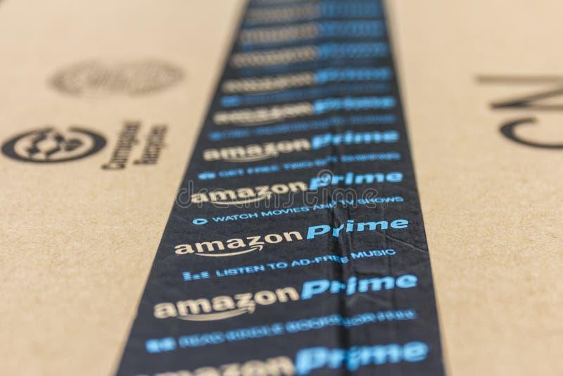 Indianapolis - circa settembre 2016: Pacchetto del pacchetto di perfezione di Amazon amazon COM è un rivenditore online primo IV immagini stock libere da diritti